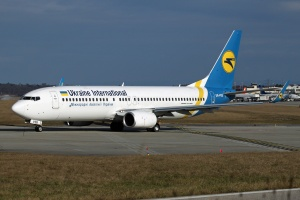 Ukraine International airlines Boeing 737-8HX